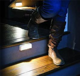 Hochwertig, schlicht und unkompliziert: Treppenbeleuchtung von MrBeams